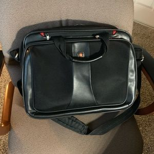 Swissgear Highwire Carrying Case (Briefcase)